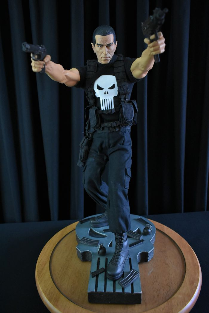 Sideshow Punisher (The Tim Bradstreet Edition)